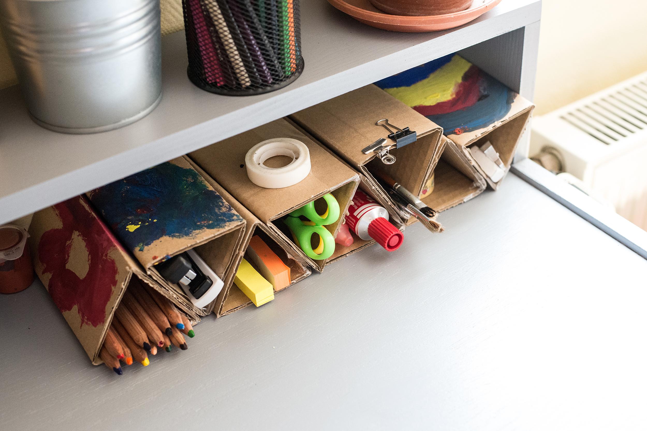 asztali tároló kartonból